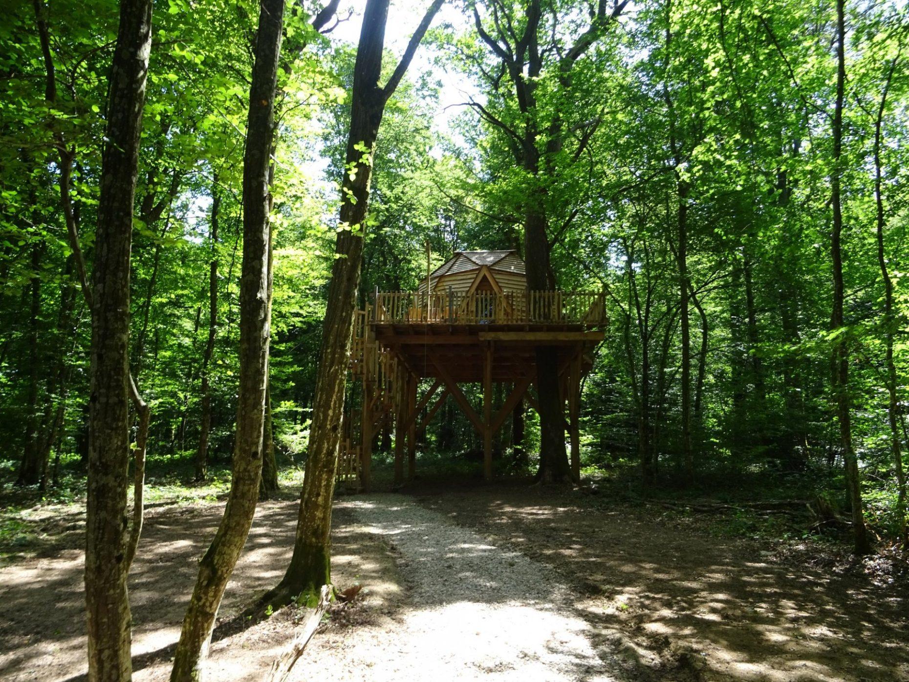 Cabane Des Grands Reflets treehouse vacation idea : cabane dôme - treehouselove